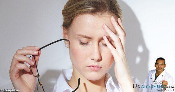 blog de imágenes de Lady cabeza tocando con dolor de cabeza
