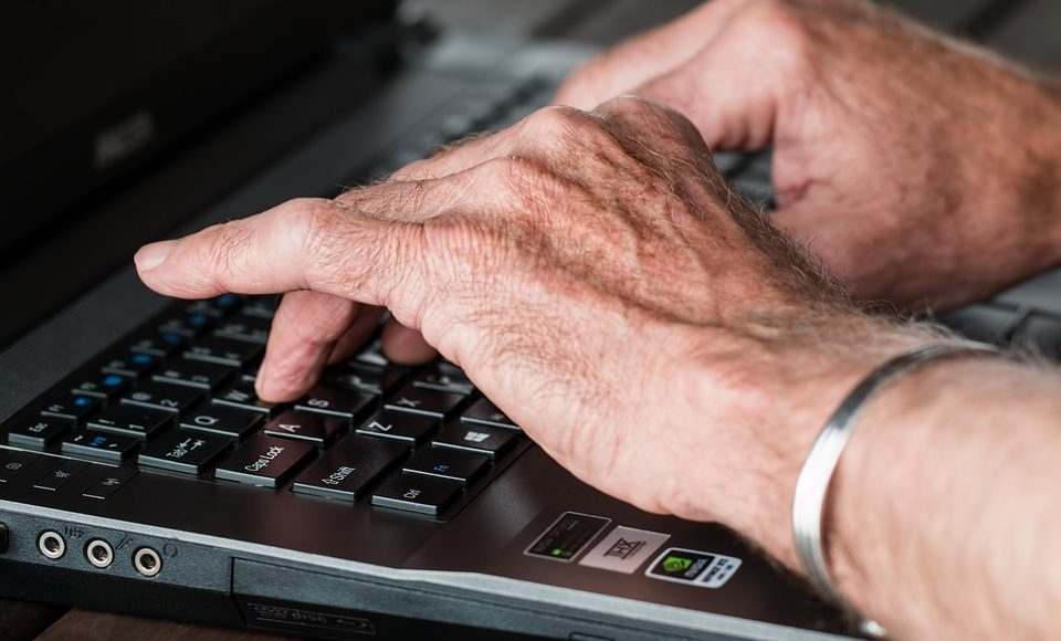 your arthritis hands on laptop arthritis