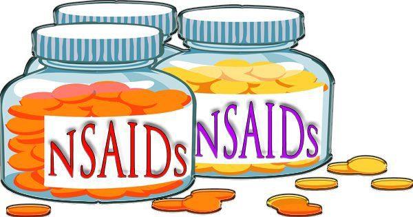 blog de ilustración de frascos de pastillas con los AINE escritos en ellas