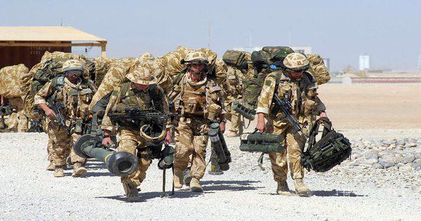 blog de imágenes de soldados que llevan equipos