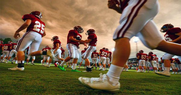 blog picture of high school football players