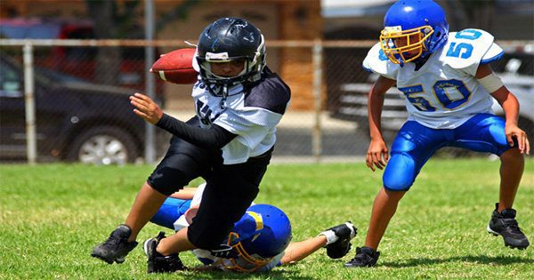 blog picture of youth football players