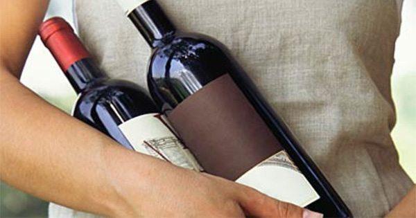 botellas de vino que se celebra