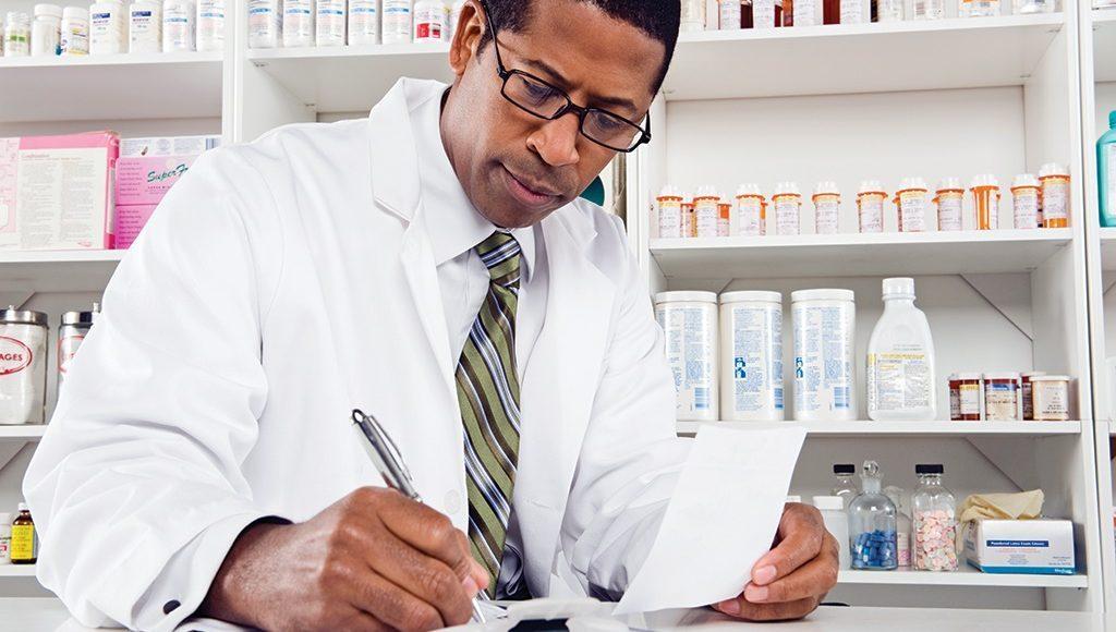 Medicamentos y medicamentos para la imagen de portada del dolor crónico